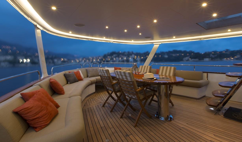 Classic Yacht Feadship Sultana 117