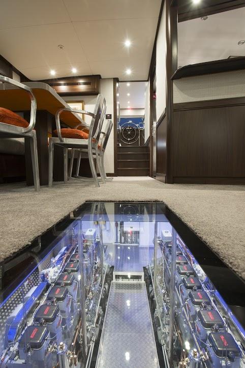 Classic Yacht Feadship Sultana 123