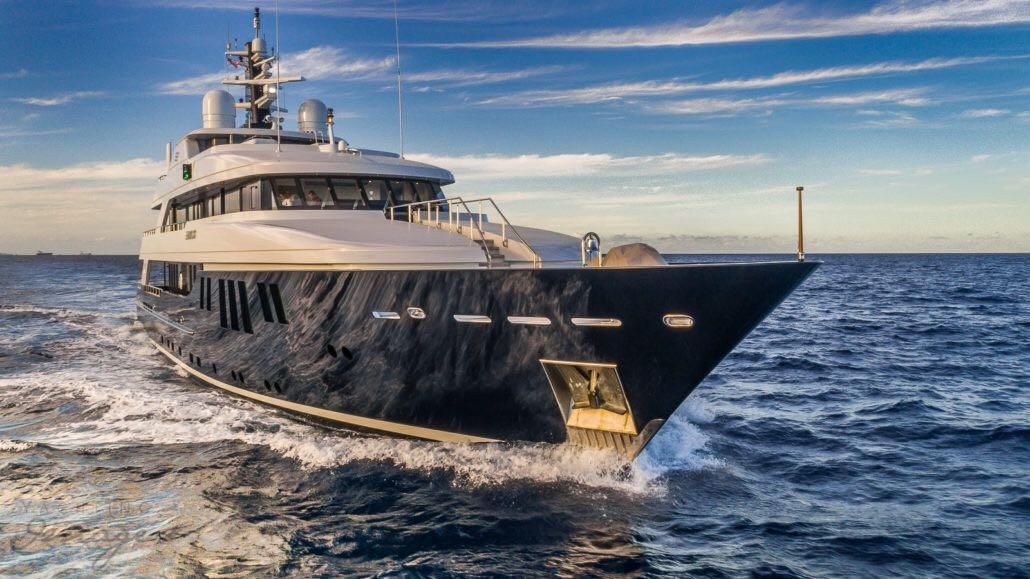 Yacht Bravado